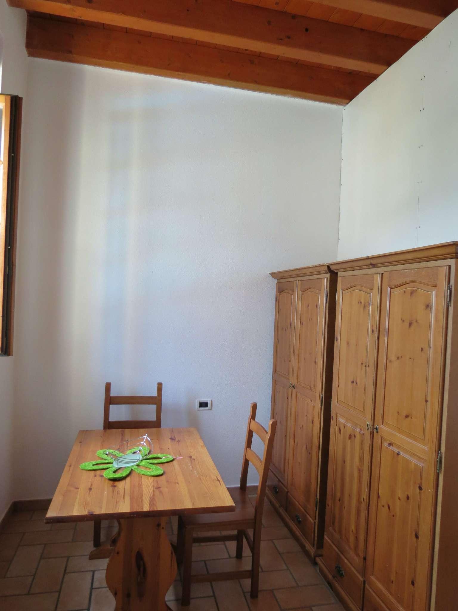 Bilocale Como Via Castel Baradello 8