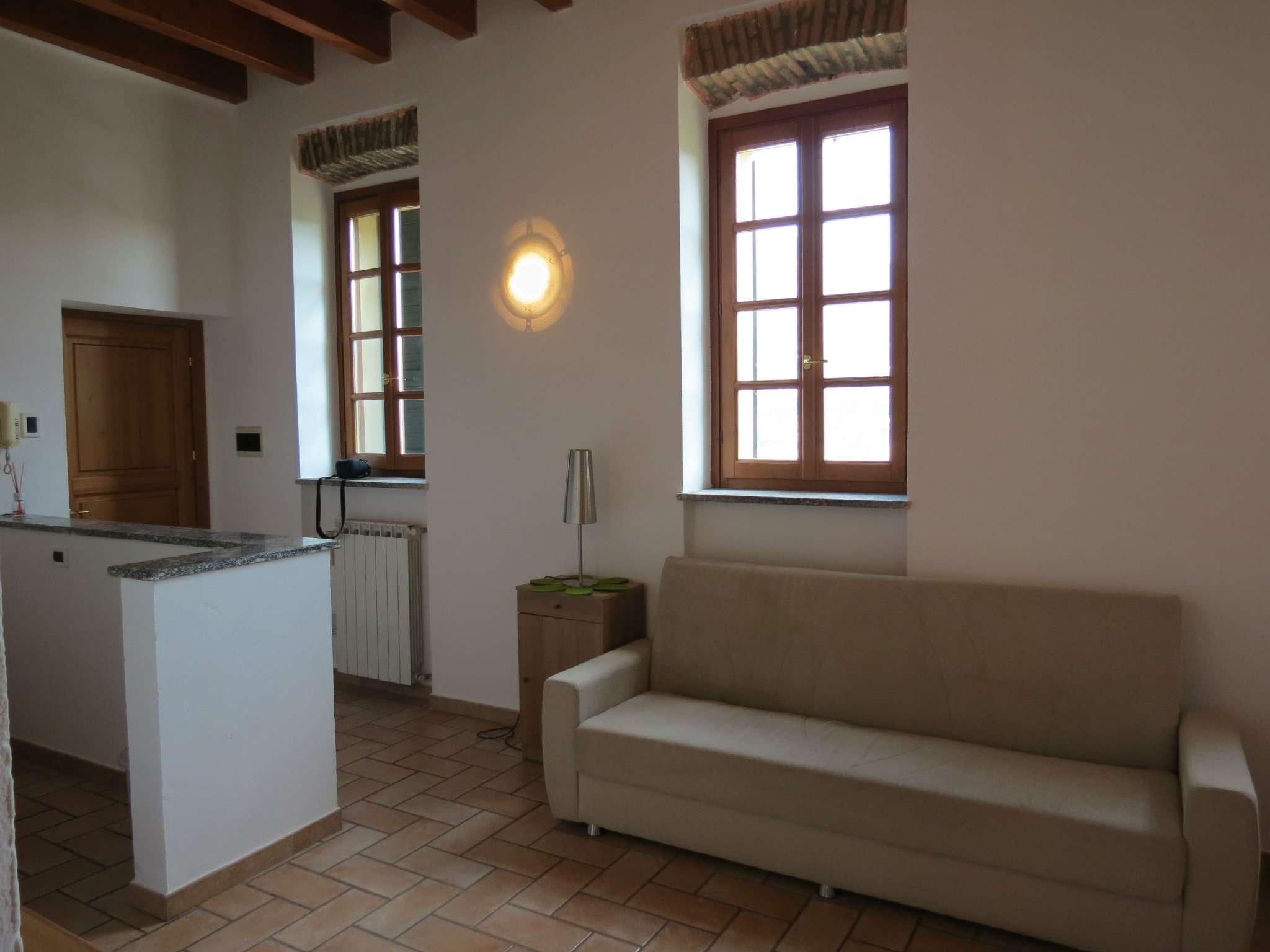 Bilocale Como Via Castel Baradello 5