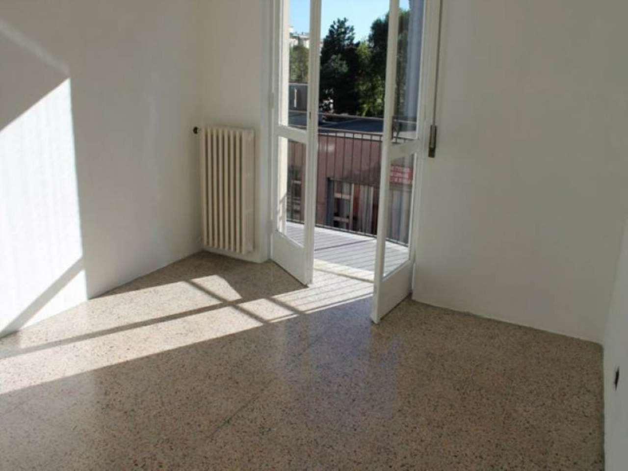 Bilocale Monza Via Amati 6