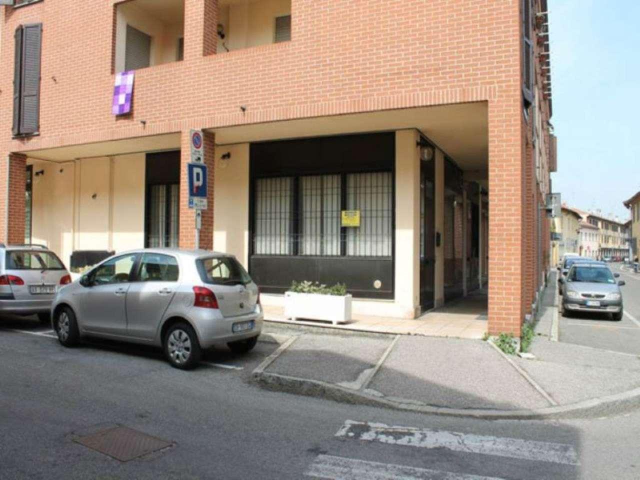 Bilocale Macherio Via Roma 2