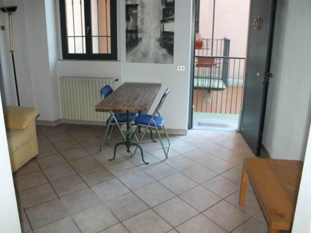 Bilocale Monza Via Sirtori 4