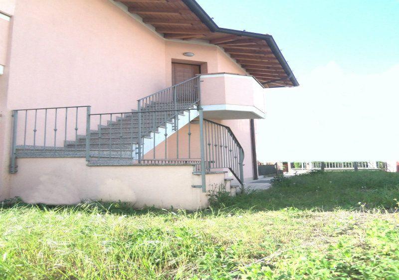 Appartamento in vendita a Chiari, 3 locali, prezzo € 215.000 | Cambiocasa.it