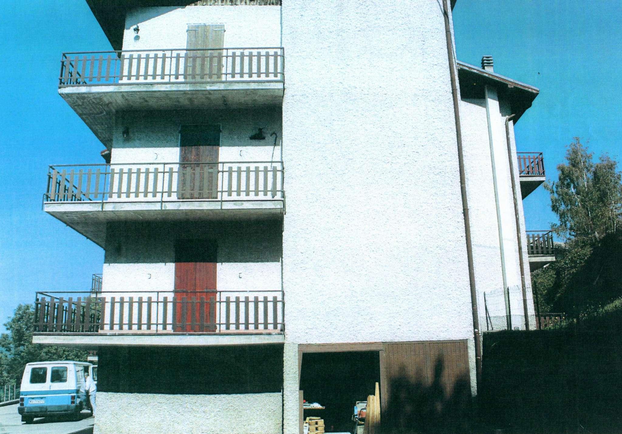 Bilocale Zogno Via Centro 1