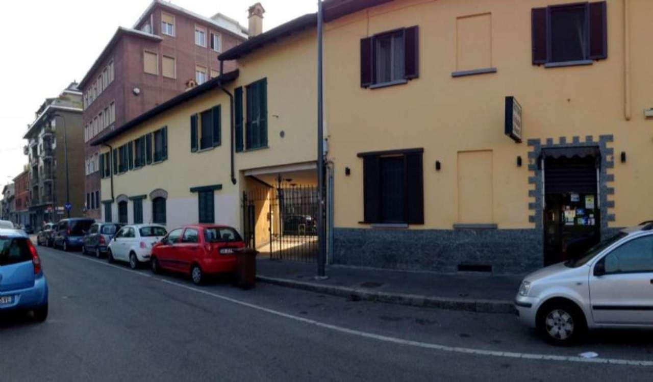 Bilocale Milano Via Pistoia 1