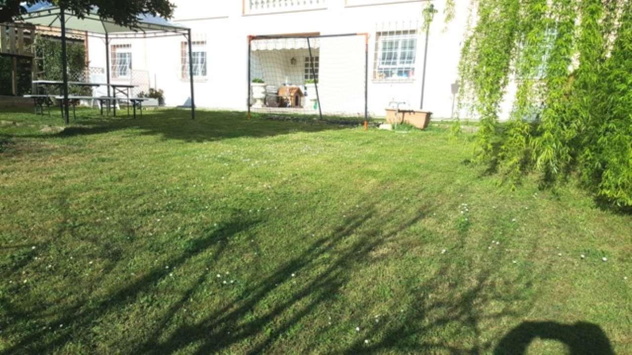 Villa in vendita 7 vani 160 mq.  via di valle muricana 200 Roma
