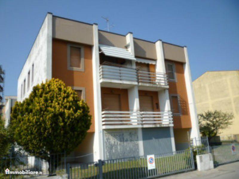 Appartamento trilocale in vendita a Comacchio (FE)