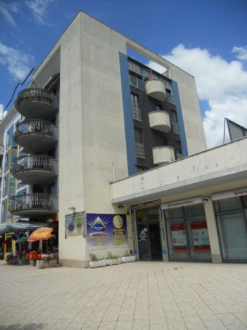 Appartamento in vendita a Cassino, 6 locali, prezzo € 250.000 | Cambiocasa.it
