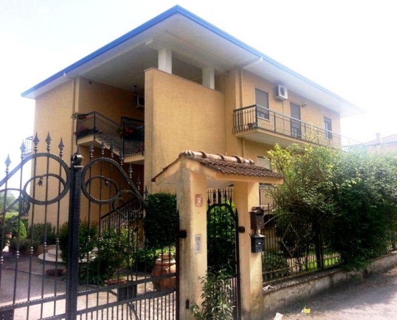 Appartamento in vendita a Cassino, 5 locali, prezzo € 175.000 | Cambiocasa.it
