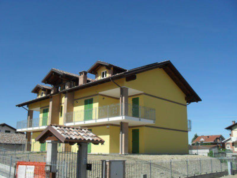 Appartamento in vendita a Poirino, 6 locali, prezzo € 205.000 | Cambio Casa.it