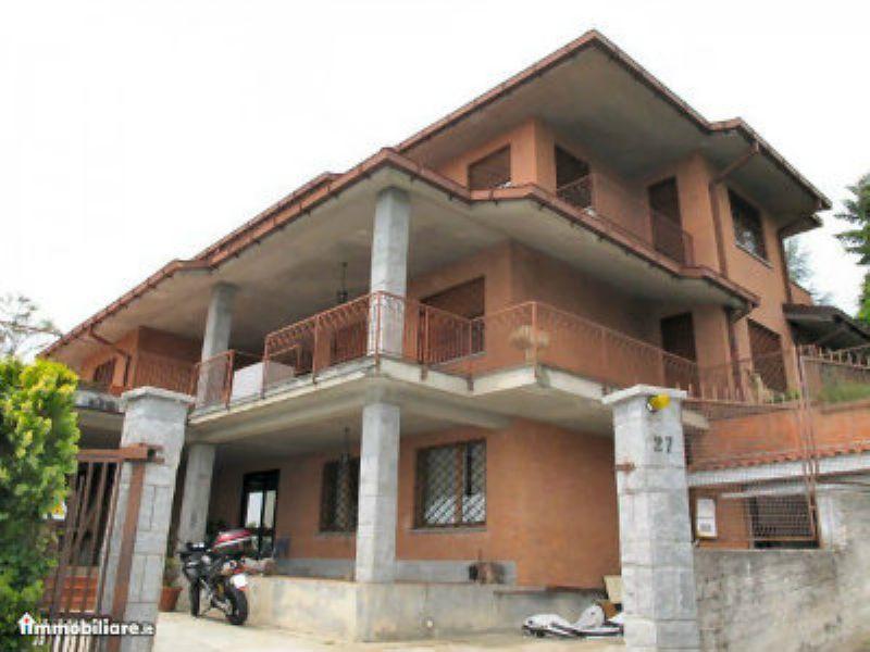 Villa Bifamiliare in vendita a Moncalieri, 10 locali, prezzo € 1.300.000   Cambio Casa.it