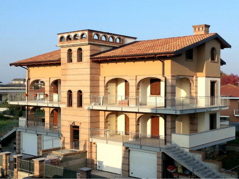 Appartamento in vendita a Poirino, 7 locali, prezzo € 225.000 | Cambio Casa.it