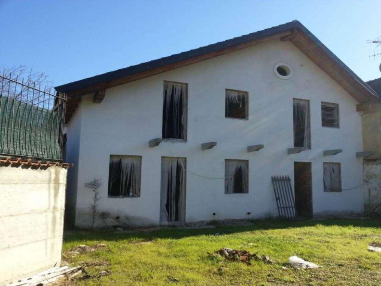 Villa in vendita a Moncalieri, 6 locali, prezzo € 310.000 | CambioCasa.it