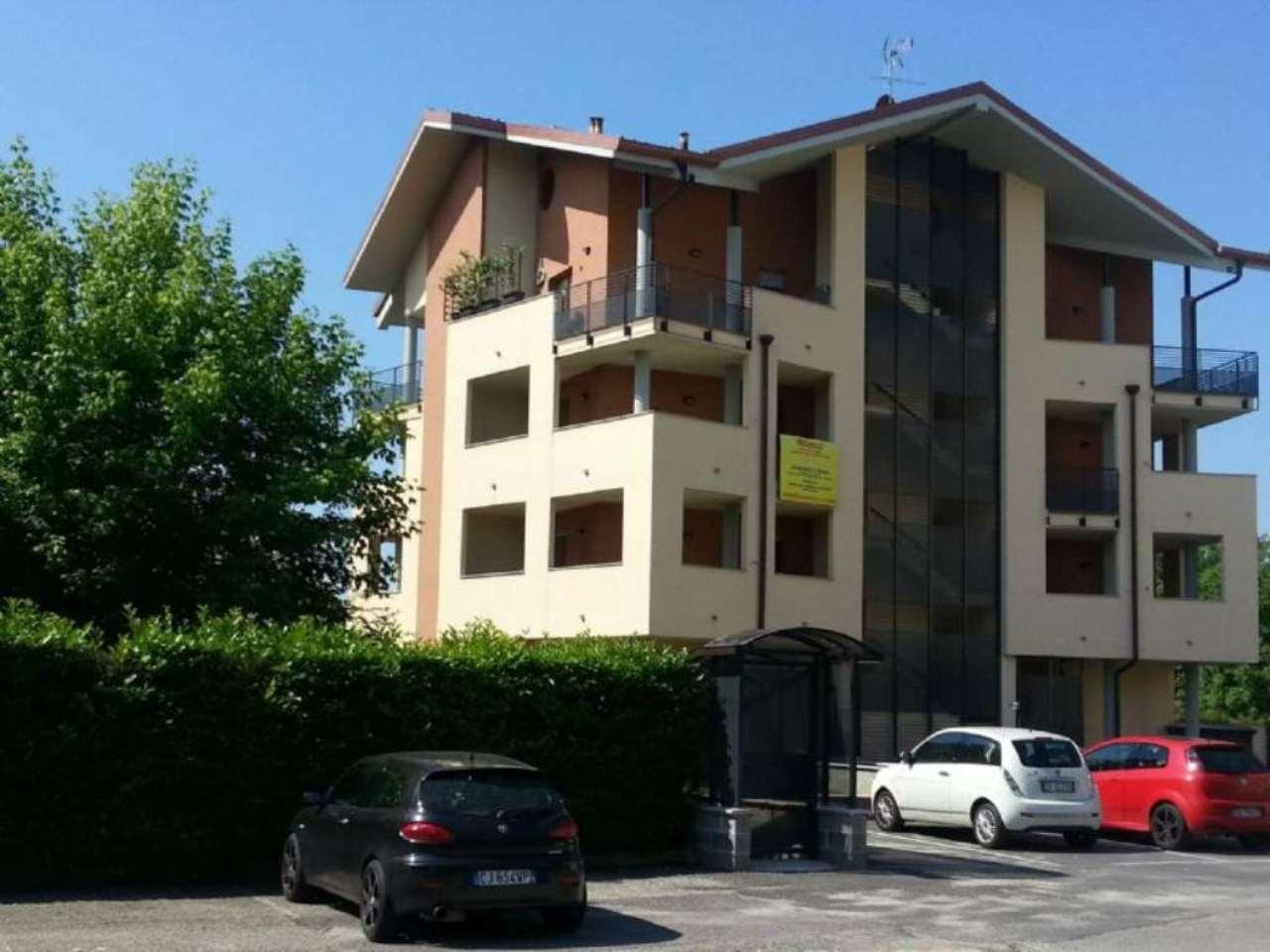 Bilocale Trofarello Via Fenoglio 2