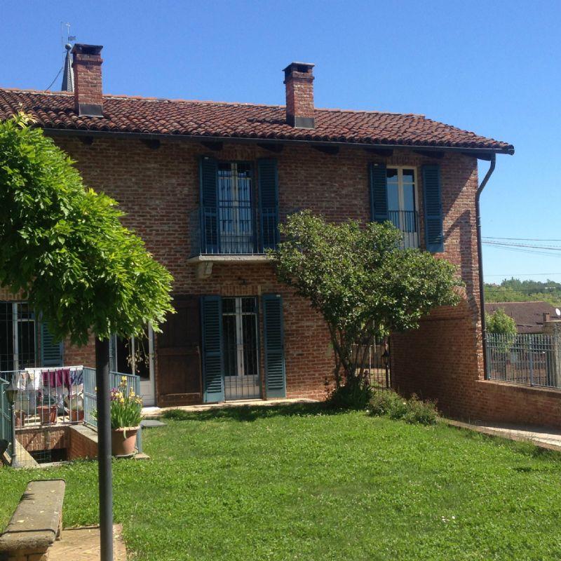 Villa in vendita a Cambiano, 10 locali, prezzo € 350.000 | Cambio Casa.it