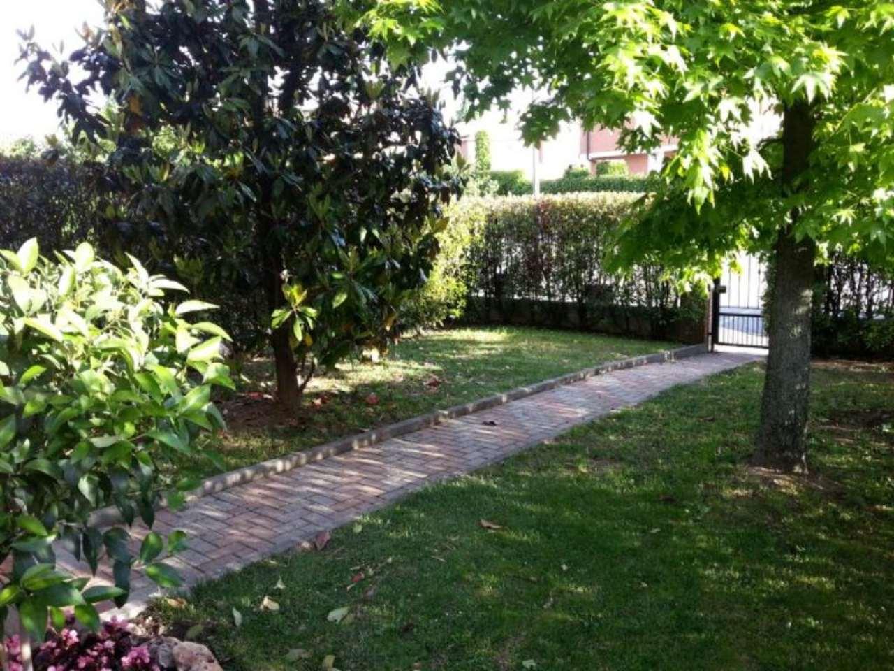 Bilocale Cambiano Via Einaudi 2