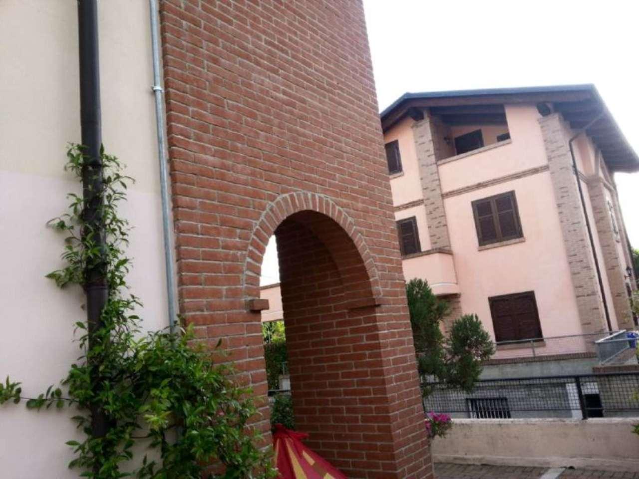 Bilocale Cambiano Via Einaudi 3