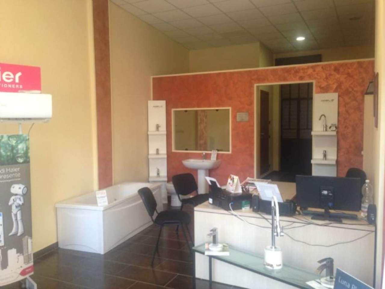 Negozio / Locale in affitto a Moncalieri, 2 locali, prezzo € 600 | Cambio Casa.it