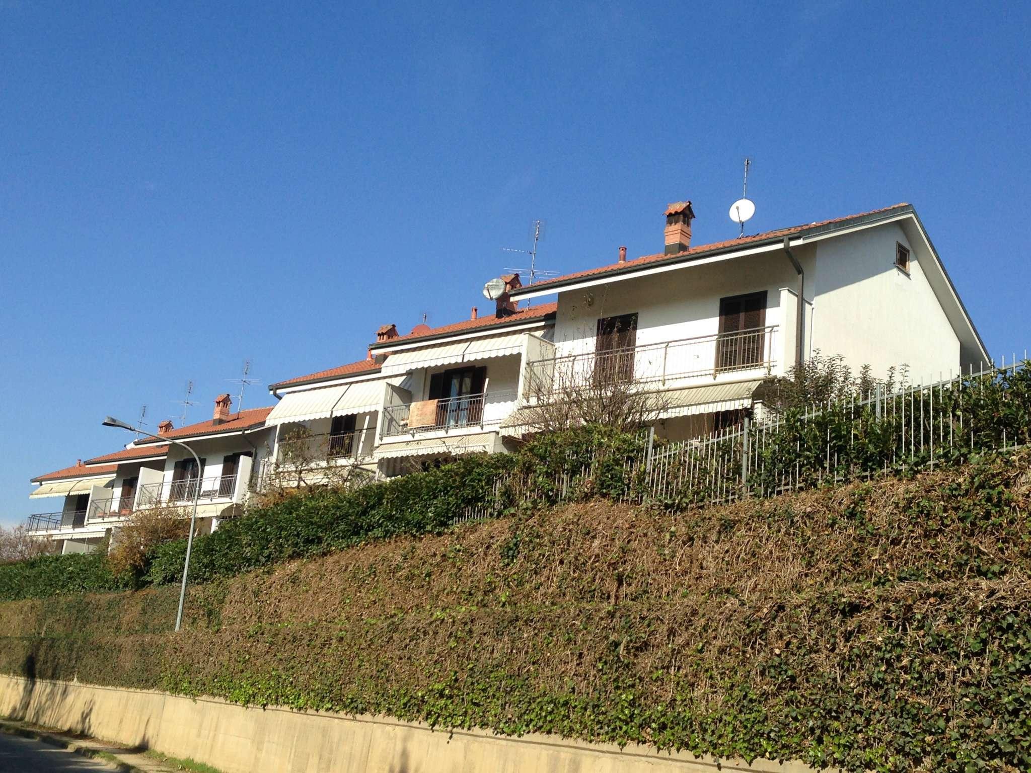 Villa in vendita a Trofarello, 10 locali, prezzo € 390.000 | Cambio Casa.it