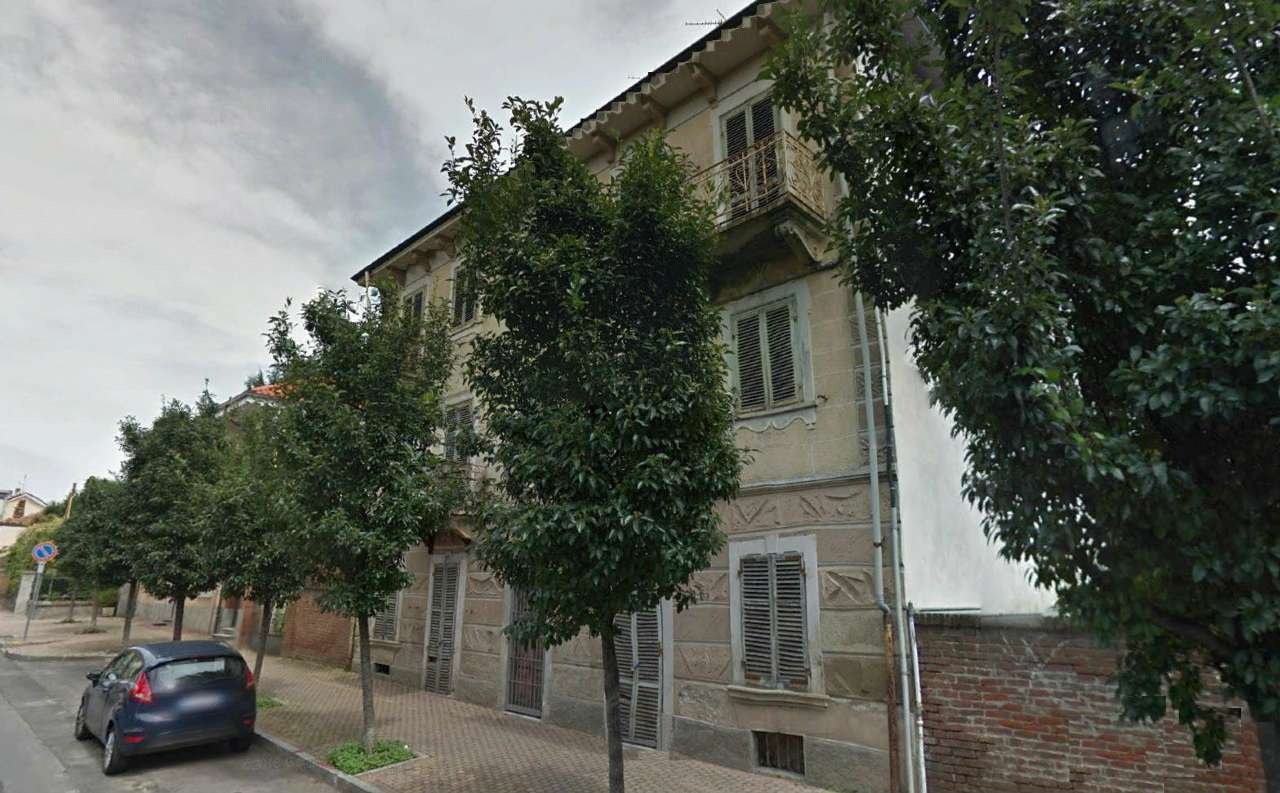 Palazzo / Stabile in vendita a Trofarello, 12 locali, prezzo € 400.000 | Cambio Casa.it