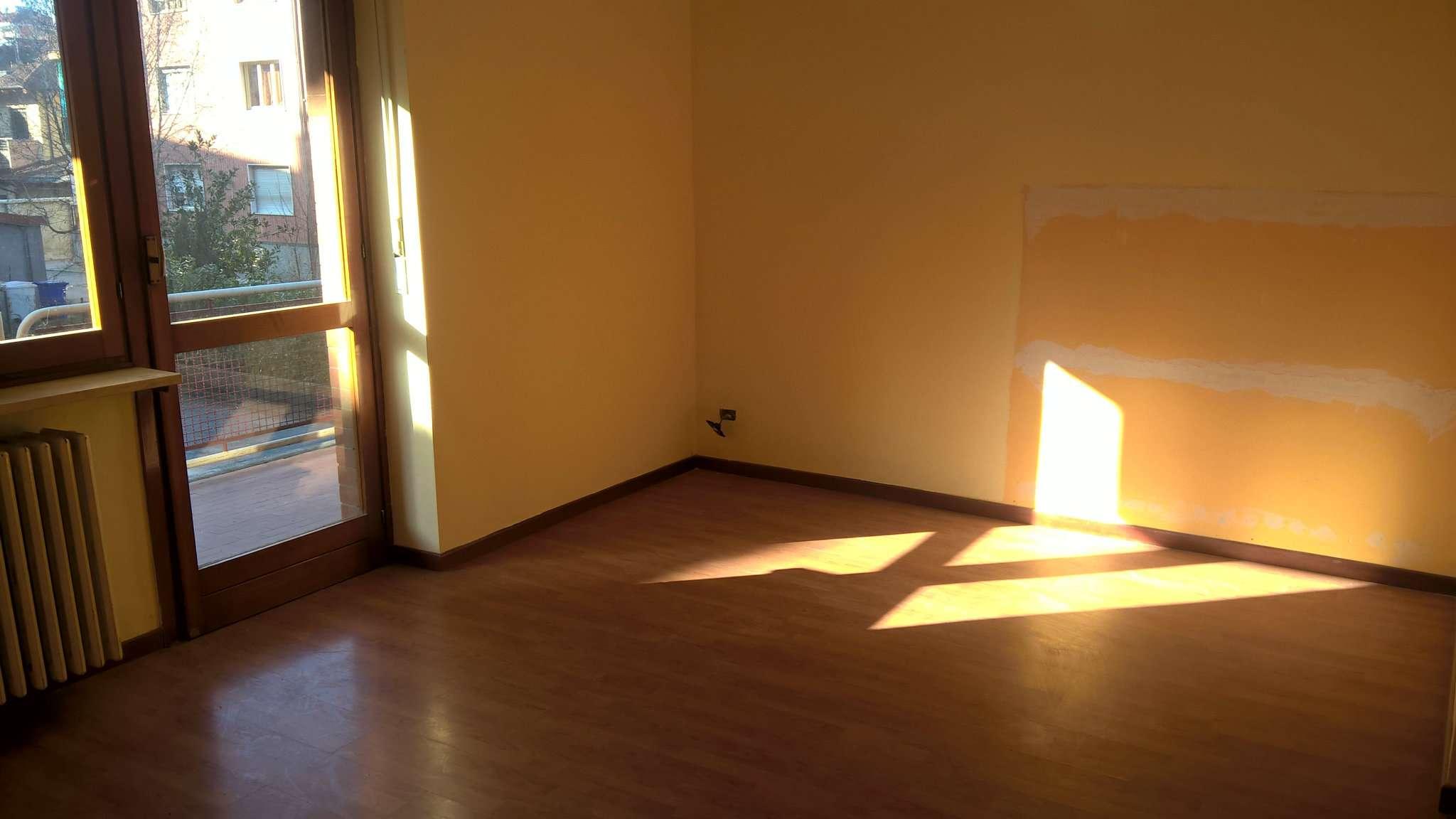 Appartamento in vendita a Santena, 6 locali, prezzo € 178.000 | CambioCasa.it