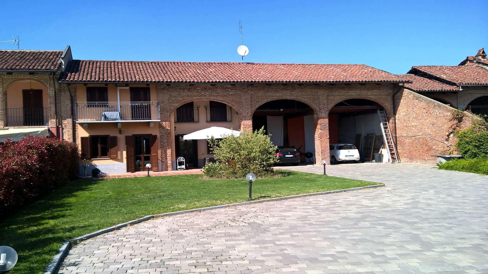 Villa in vendita a Villanova d'Asti, 10 locali, prezzo € 300.000 | Cambio Casa.it