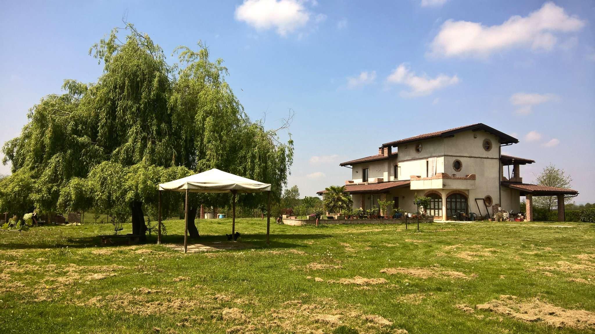 Villa in vendita a Pralormo, 8 locali, prezzo € 270.000 | Cambio Casa.it