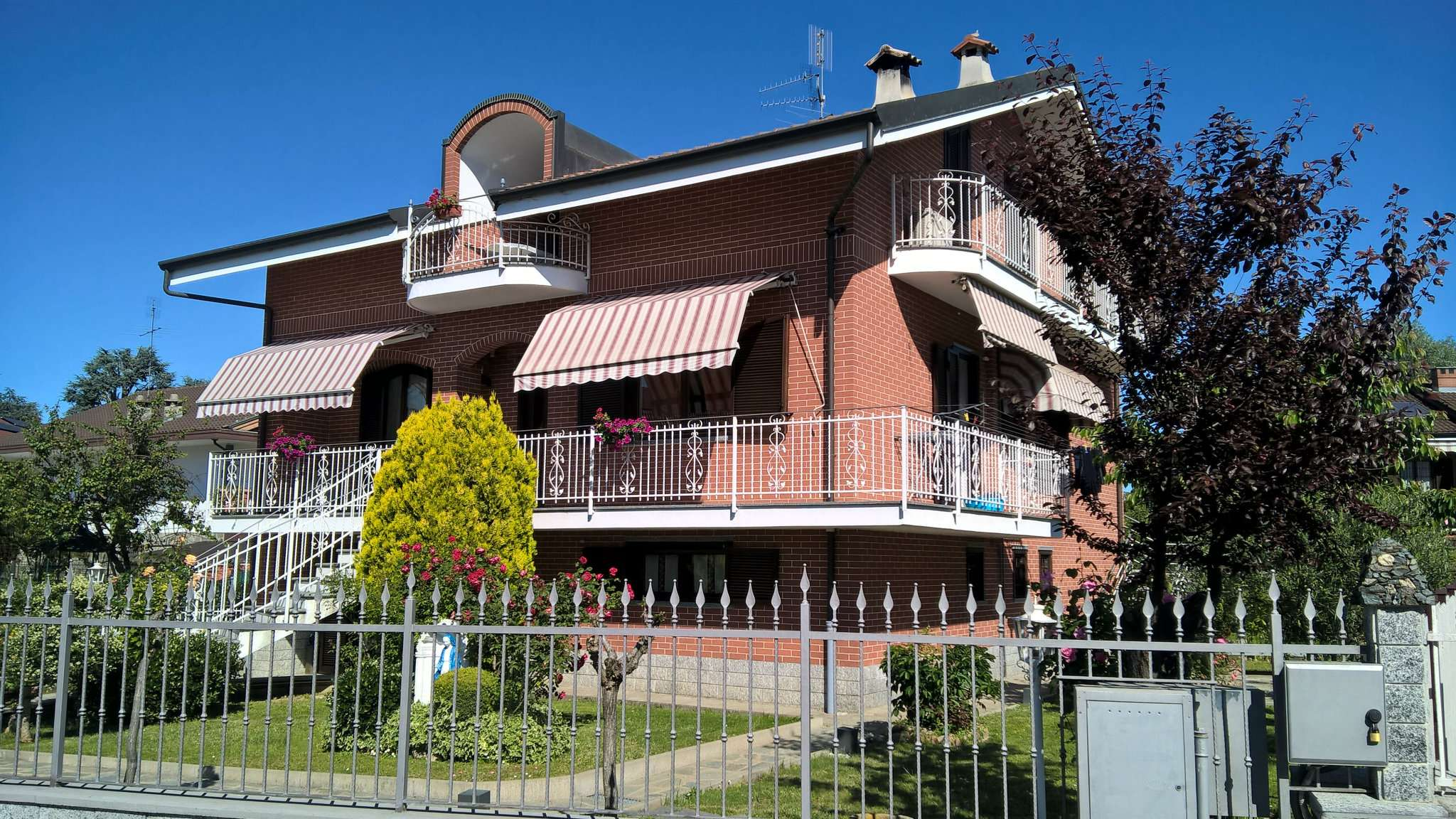 Villa Bifamiliare in vendita a Moncalieri, 10 locali, prezzo € 620.000 | CambioCasa.it