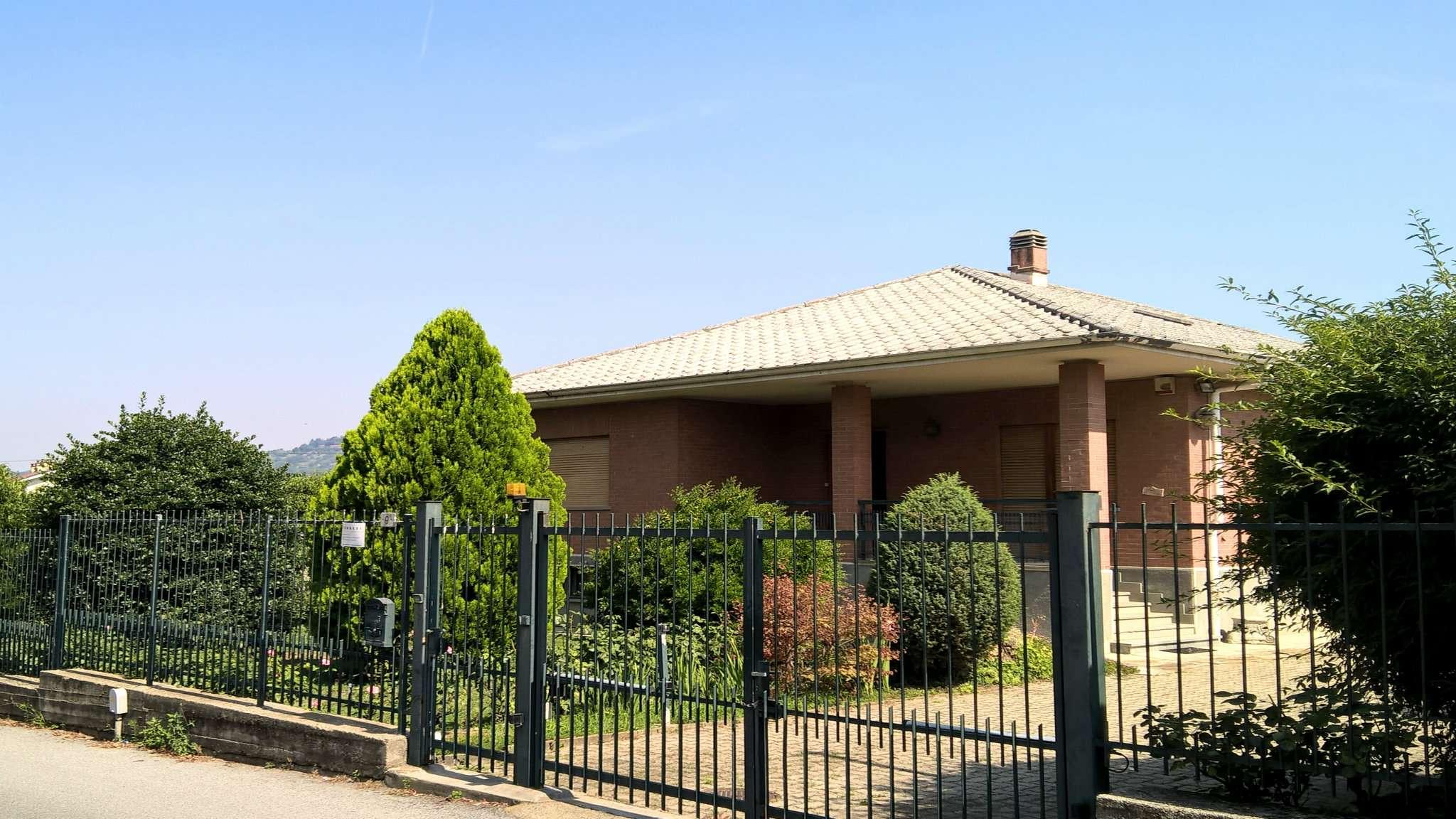 Villa in vendita a Moncalieri, 6 locali, prezzo € 360.000 | CambioCasa.it