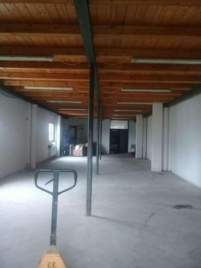 Capannone in affitto a Poirino, 1 locali, prezzo € 600 | CambioCasa.it