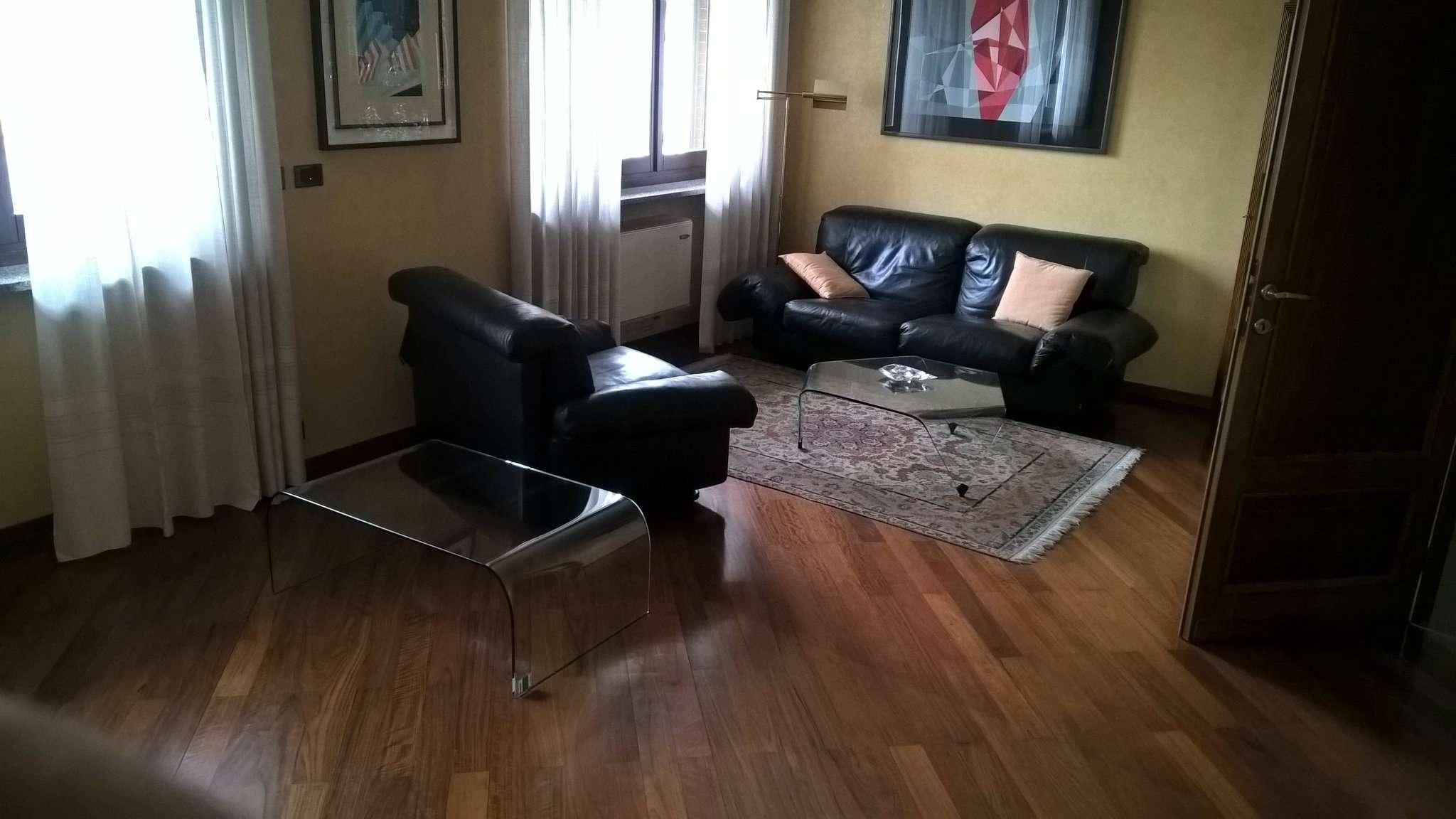 Ufficio / Studio in vendita a Moncalieri, 5 locali, prezzo € 850 | CambioCasa.it