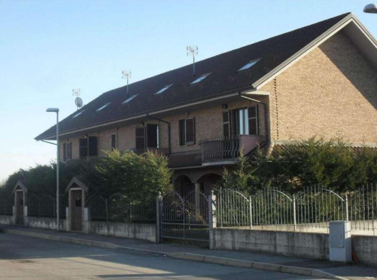 Villa in vendita a Poirino, 6 locali, prezzo € 275.000 | CambioCasa.it