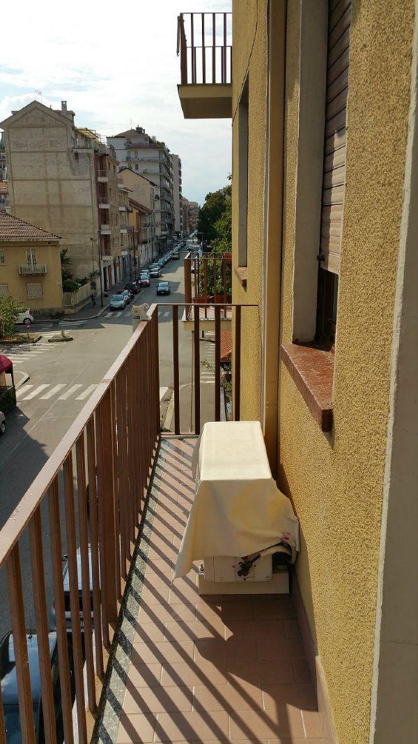 Bilocale Torino Via Luca Della Robbia 12