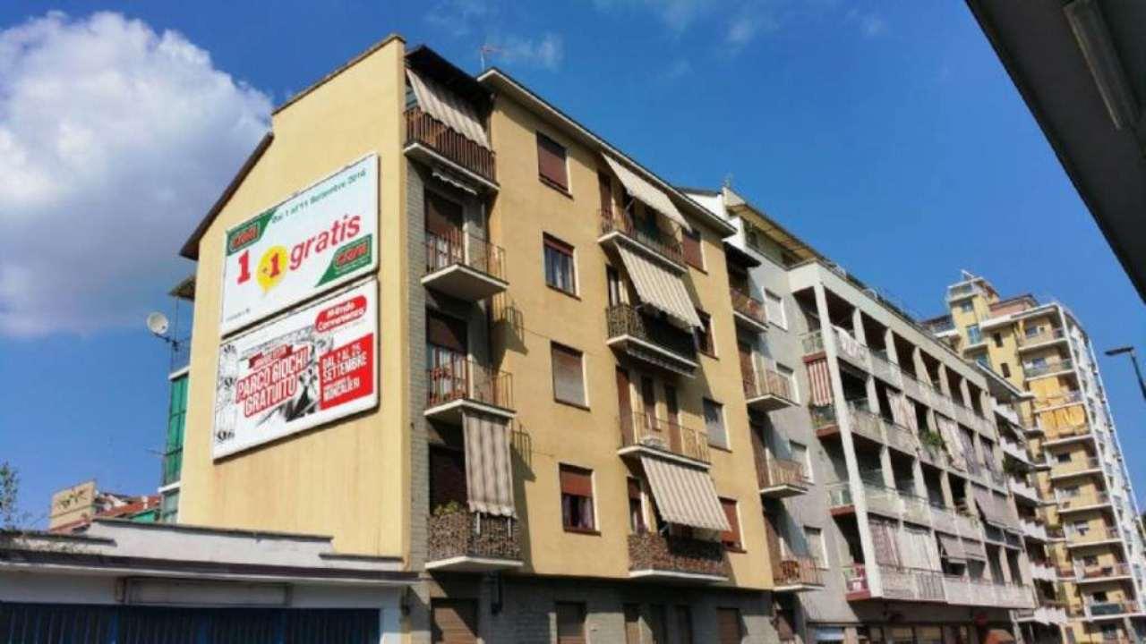 Bilocale Torino Via Luca Della Robbia 1