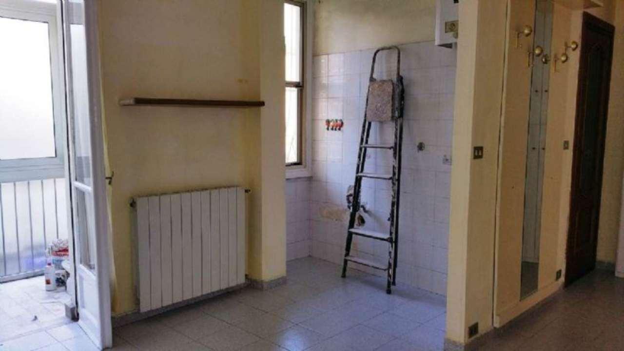 Bilocale Torino Via Luca Della Robbia 5