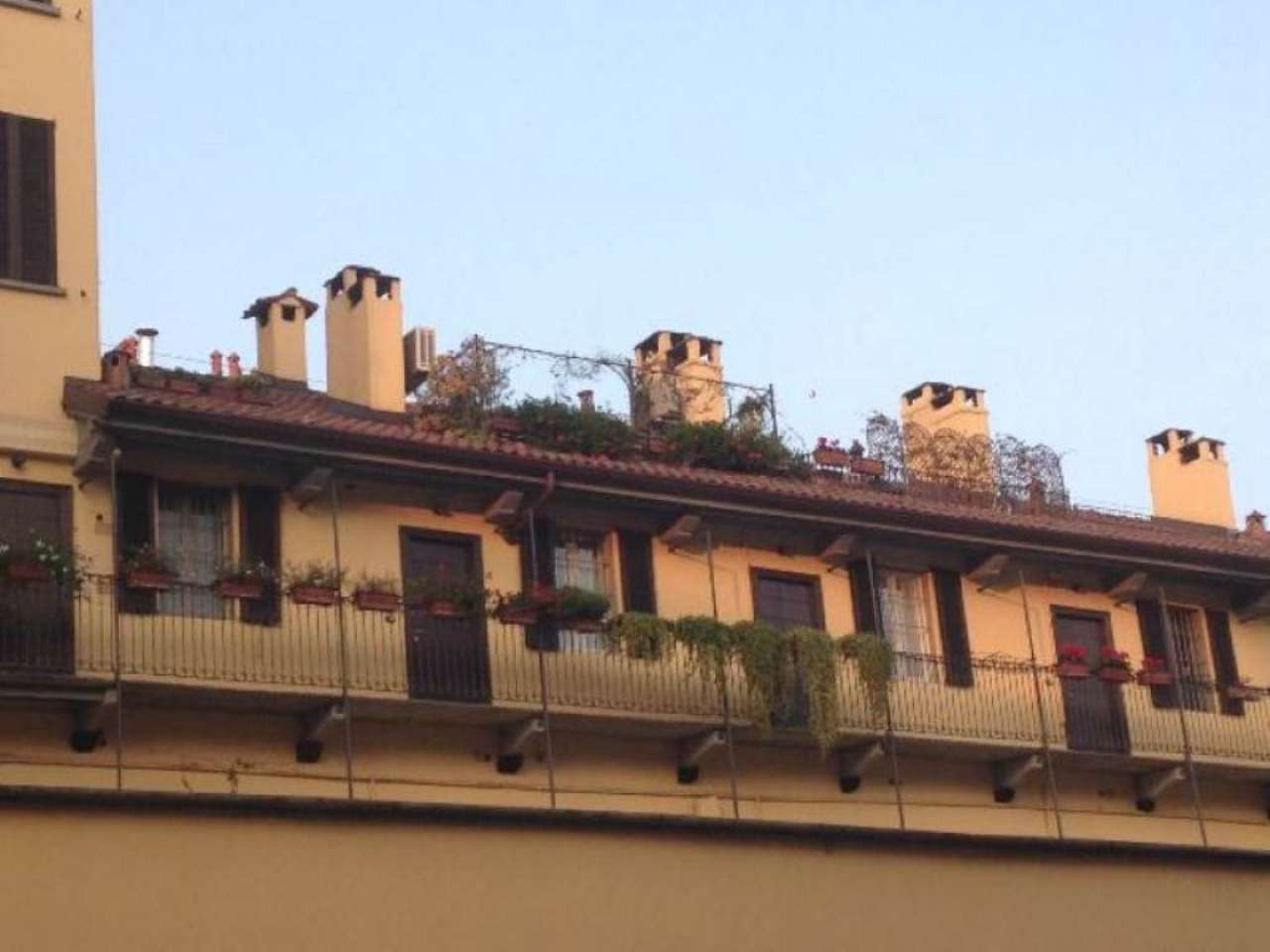 Bilocale Milano Via Pioppette 1