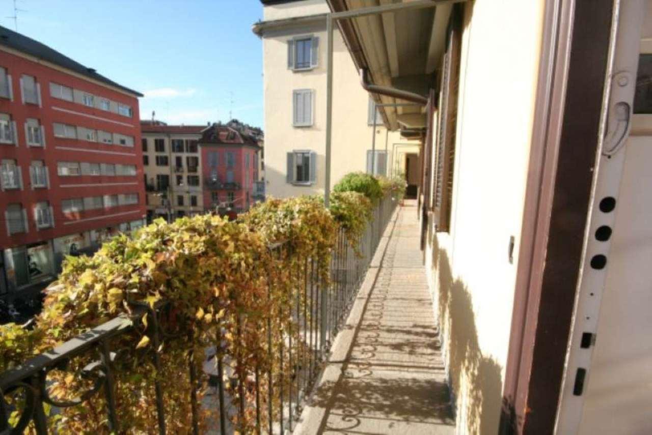Bilocale Milano Via Pioppette 4