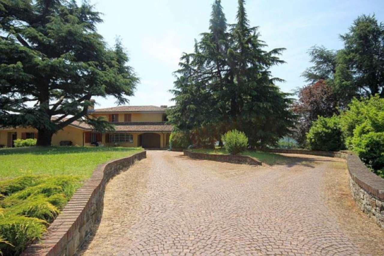Villa in vendita a Acqui Terme, 12 locali, Trattative riservate | CambioCasa.it