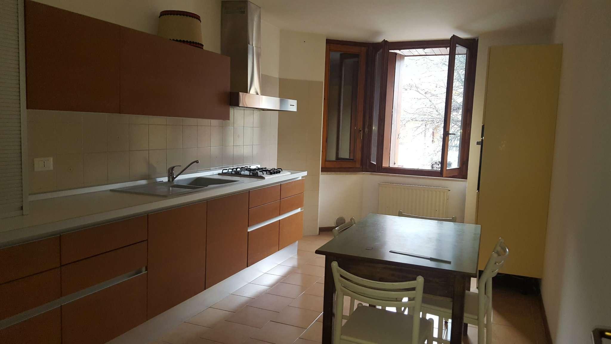 Appartamento in affitto a Cles, 4 locali, prezzo € 500 | Cambio Casa.it