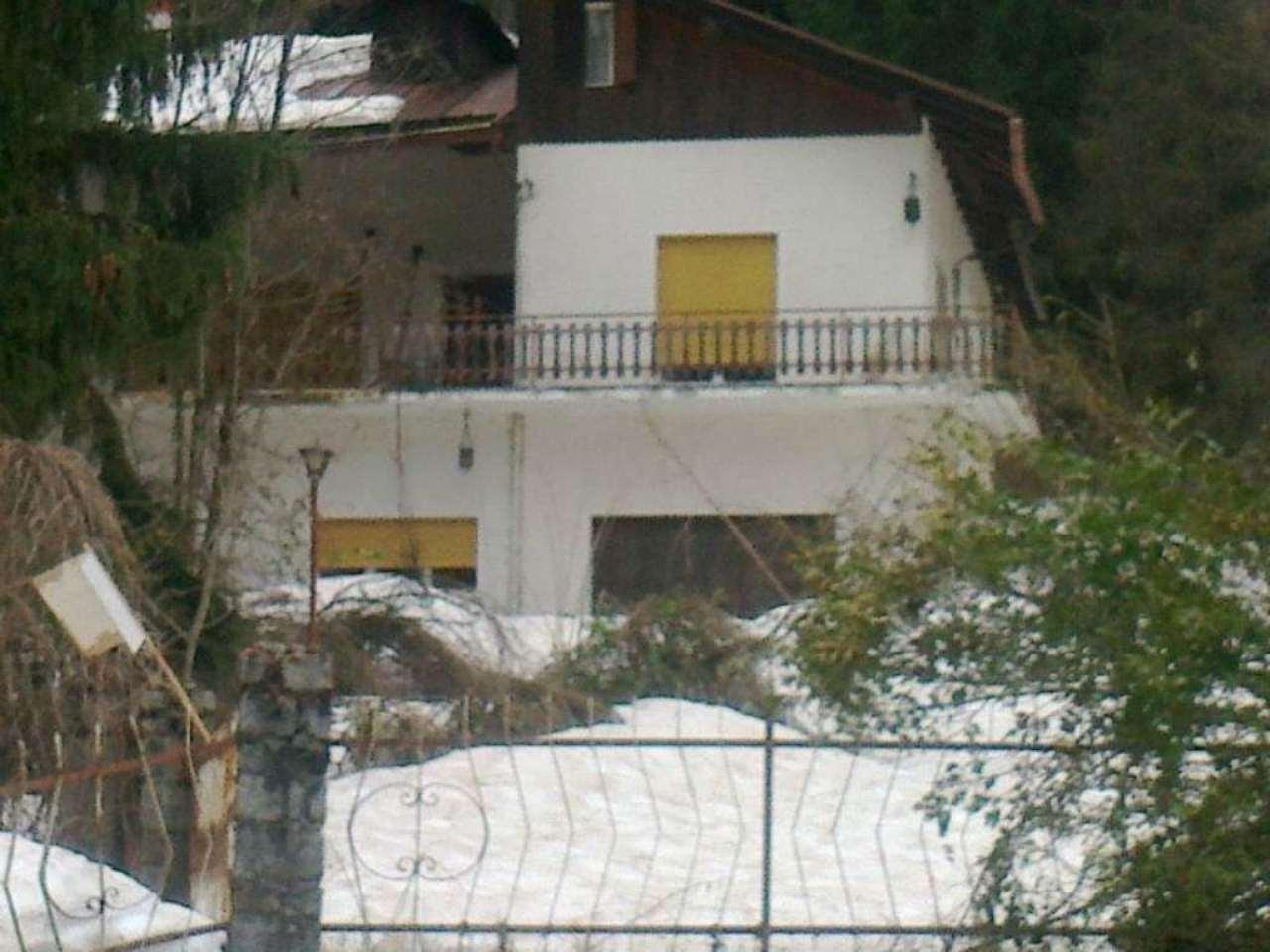 Villa Bifamiliare in vendita a Pellizzano, 10 locali, Trattative riservate | CambioCasa.it