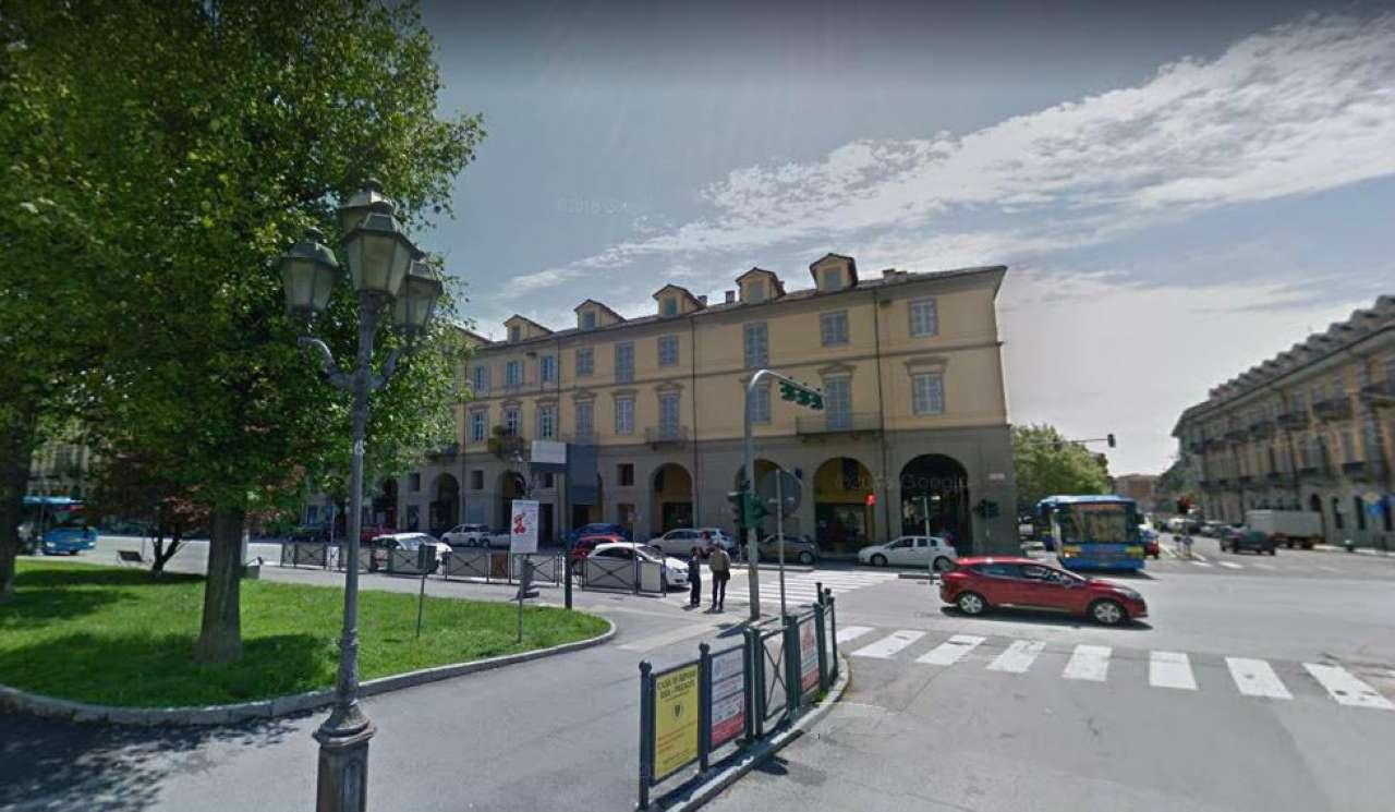 Immagine immobiliare Pinerolo centro - Corso Torino Angolo Piazza L. Barbieri, centralissimo centro estetico di mq. 114, in perfette condizioni, posto al piano secondo, con doppi ingressi, n°9 cabine, reception, doppi servizi.Tutte le cabine sono servite...