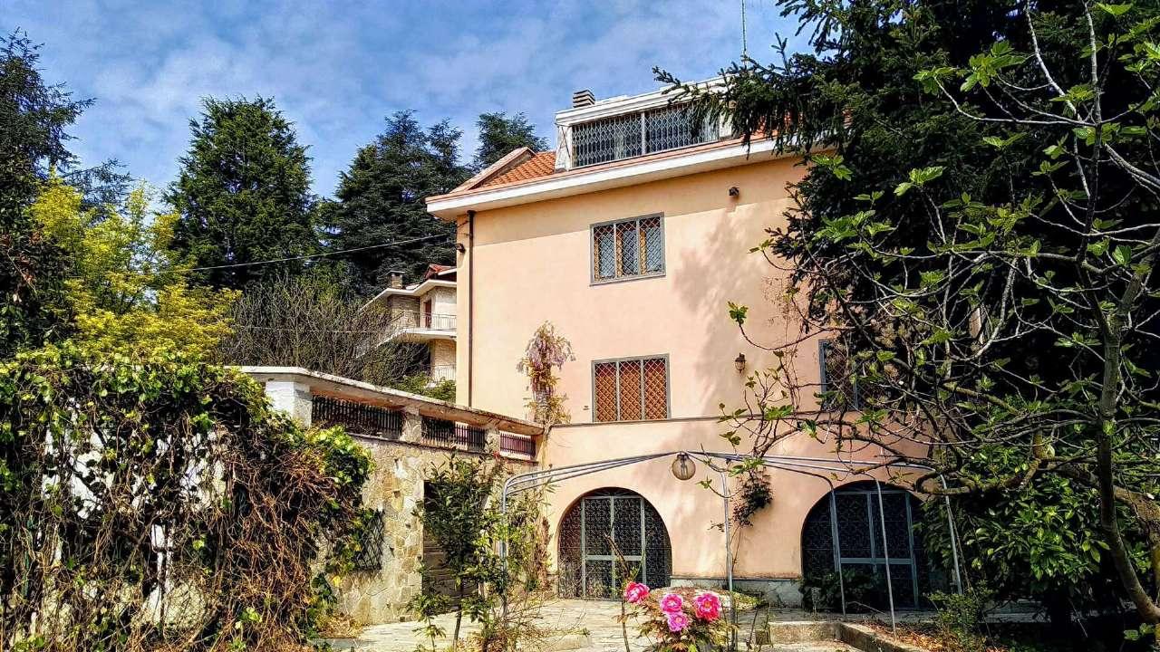 Foto 1 di Villa strada del ponte Isabella a San Vit, Torino (zona Precollina, Collina)