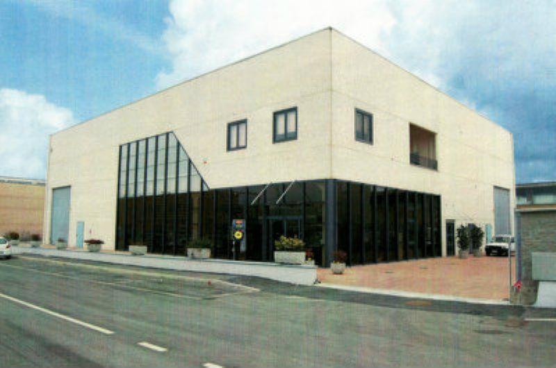 Capannone in vendita a Chivasso, 9999 locali, prezzo € 200.000 | Cambio Casa.it