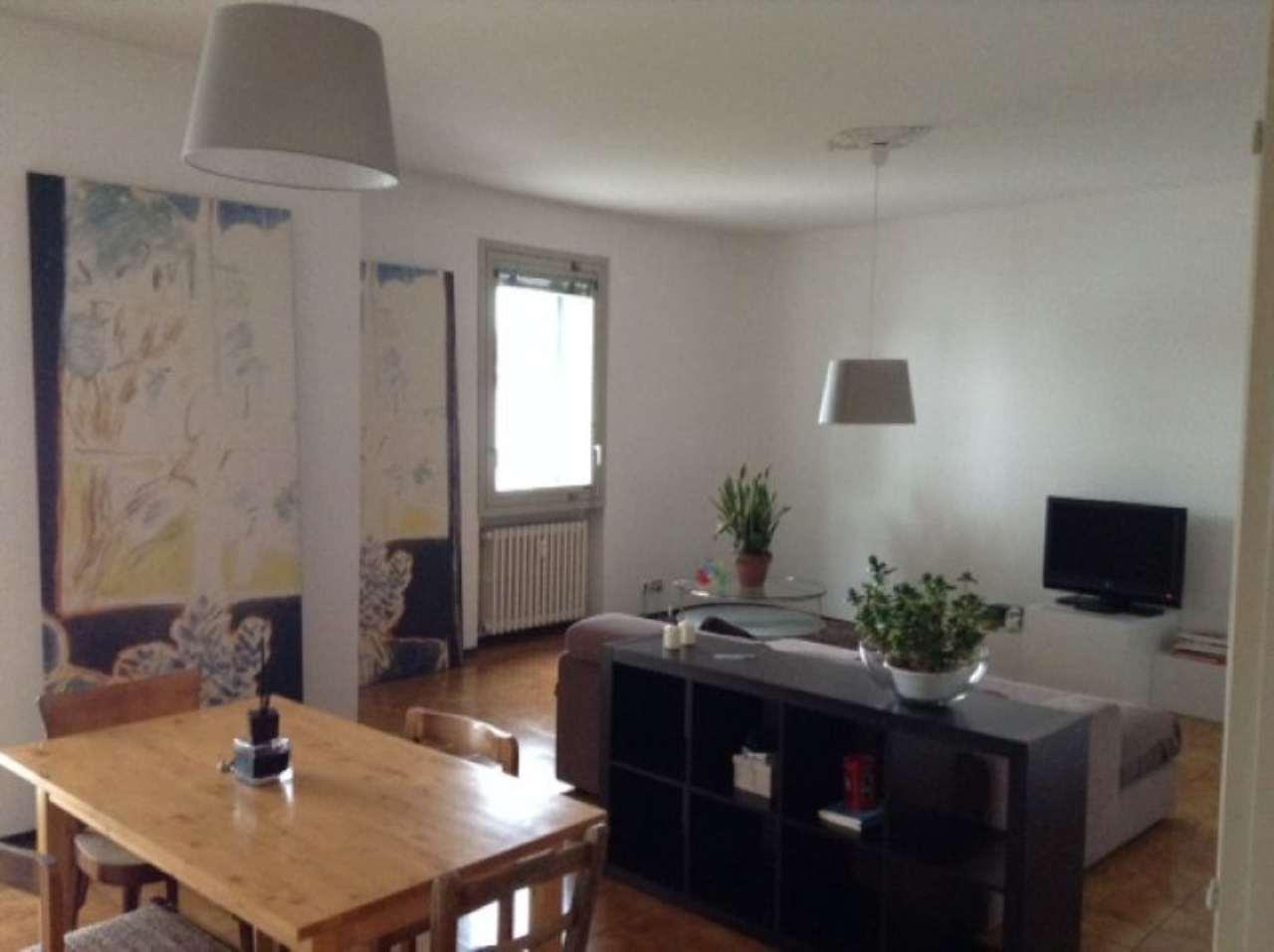 Appartamento in affitto a Desenzano del Garda, 2 locali, prezzo € 700 | Cambio Casa.it