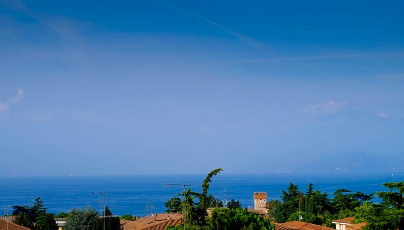 Villa in vendita a Desenzano del Garda, 9 locali, prezzo € 820.000   Cambio Casa.it
