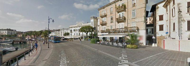 Attività / Licenza in Vendita a Desenzano del Garda