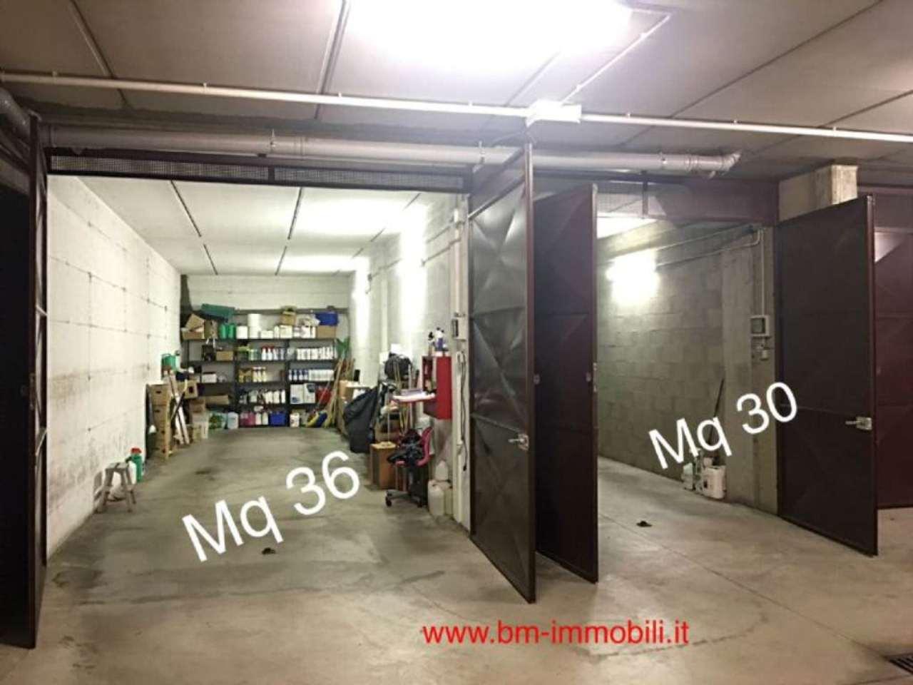 Box / Garage in Vendita a Grugliasco