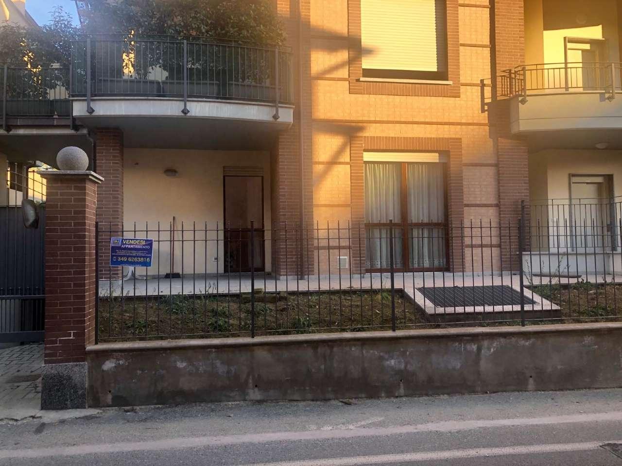 Immagine immobiliare delizioso appartamento di circa 75mq, a piano terra, con terrazzo di 35 mq e giardino di 80 mq a rivoli (cascine vica), in via orsiera 2, in piccolo signorile complesso residenziale del 2***: delizioso appartamento di circa 75mq, a piano...