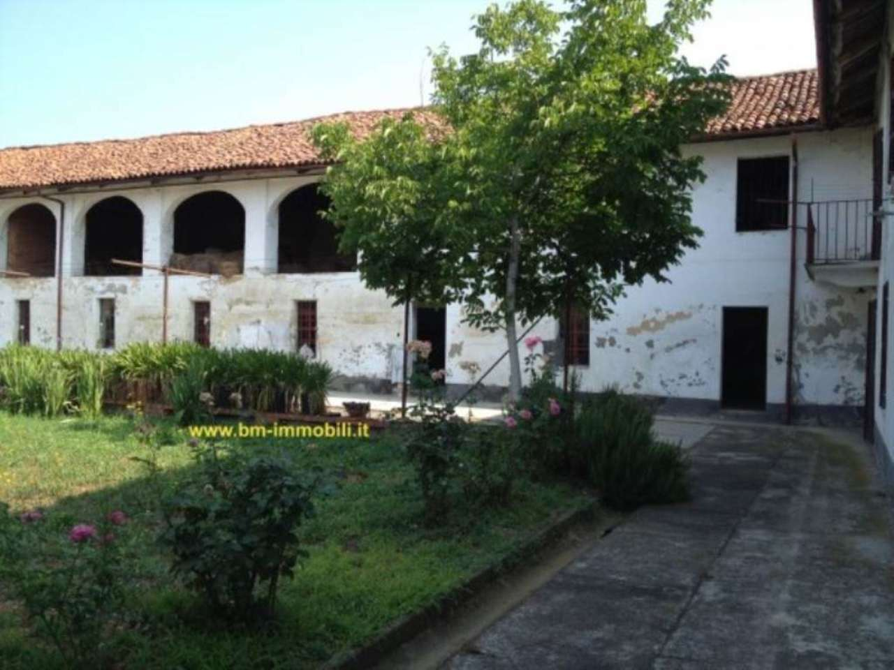Villafranca d'Asti Vendita CASALE / RUSTICO / CASA / CASCINA Immagine 0