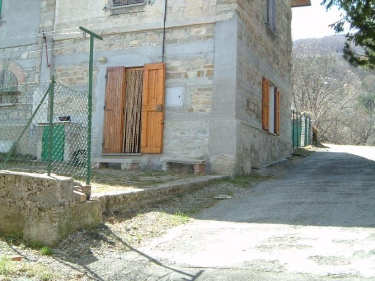 Appartamento in vendita a Villa Minozzo, 3 locali, prezzo € 37.000 | Cambio Casa.it