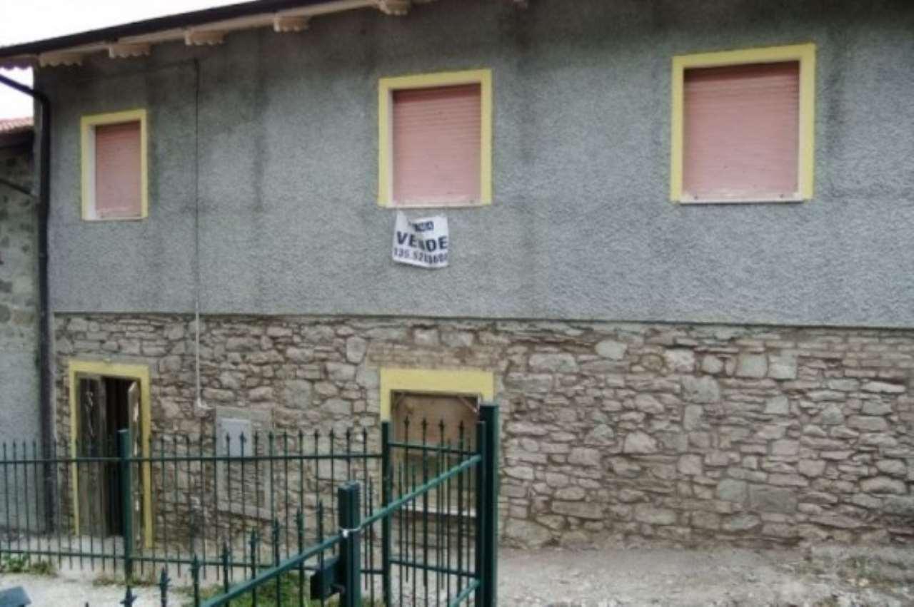 Soluzione Indipendente in vendita a Villa Minozzo, 6 locali, prezzo € 75.000 | Cambio Casa.it